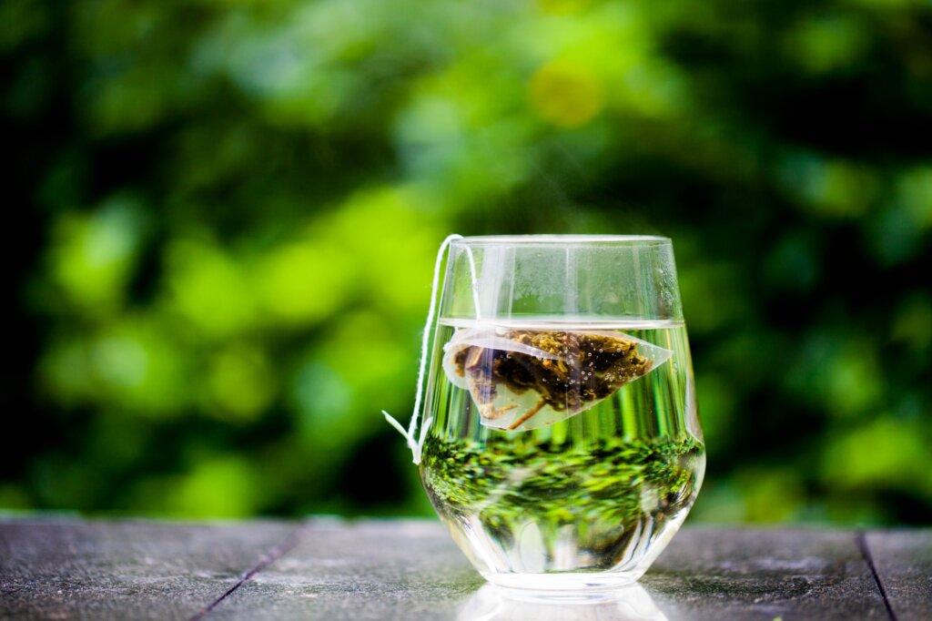 cbd tea in a glass